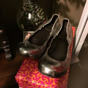 Authentic Tory Burch in great condition