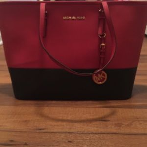 michael kors black and red purse