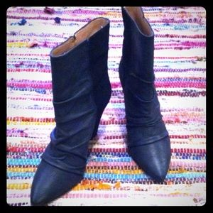 Daniblack wedge bootie