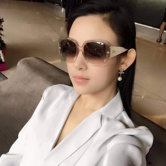 38 off dior accessories dior sunglasses lady lady 1 authentic 100 from lily 39 s closet on. Black Bedroom Furniture Sets. Home Design Ideas