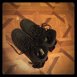 All black ups nike good conditions