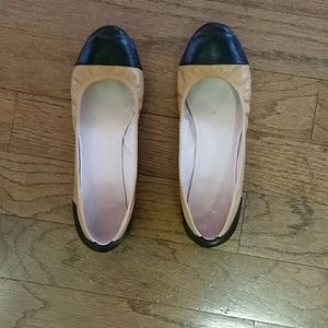 Vince Camuto Shoes - Size 9 Vince Camuto Flats