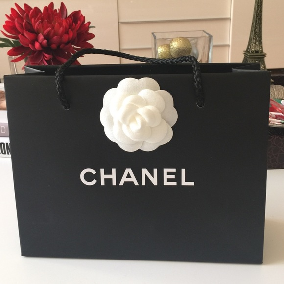 CHANEL - AUTHENTIC Chanel shopping bag (small) from Alyssa's ...