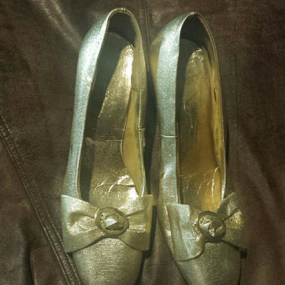 Gold Vintage Shoes 73
