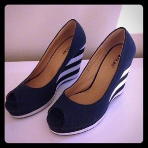 White navy blue striped open toed wedge high heels