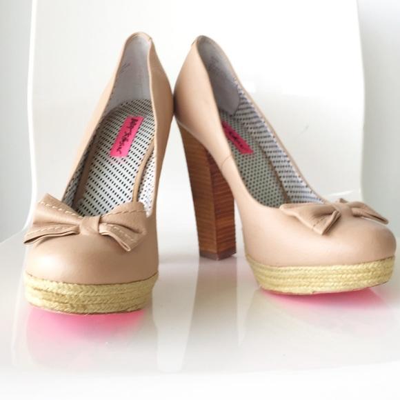 Betsey Johnson Shoes - Betsey Johnson Maggi Pumps