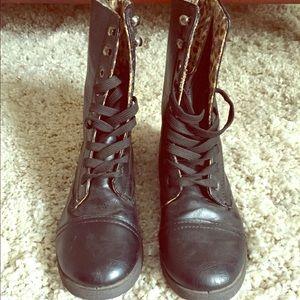 Boots - Women's black combat boots!