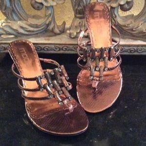 🎉HP🎉 Moda spana Bronze jeweled sandal shoes