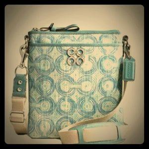 Coach Handbags - 💥SALE Coach Crossbody & Small Pouch
