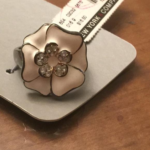 New york company jewelry new york company white flower ring new york company white flower ring mightylinksfo