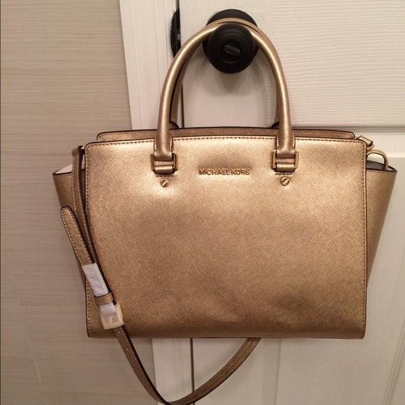 547fe6ed4ac9 Michael Kors Bags | Sold Selma Large Gold | Poshmark
