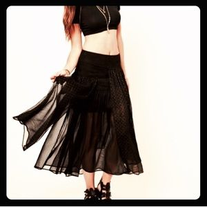Free People tiered black/gold gypsy skirt Size 2