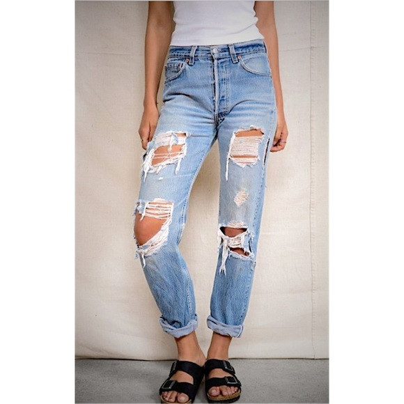 Levi&39s - ✨Cute Levi&39s ripped distressed jeans✨ from Lee&39s closet