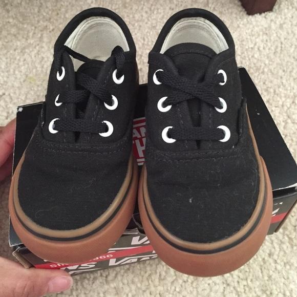 vans black white gum sole