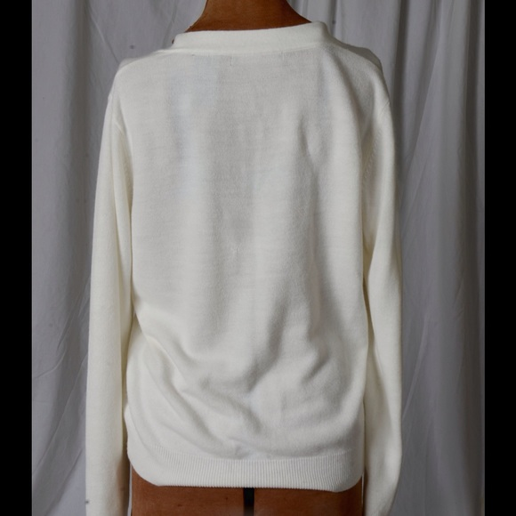 Raisey - Beautiful white sweater from Jan's closet on Poshmark