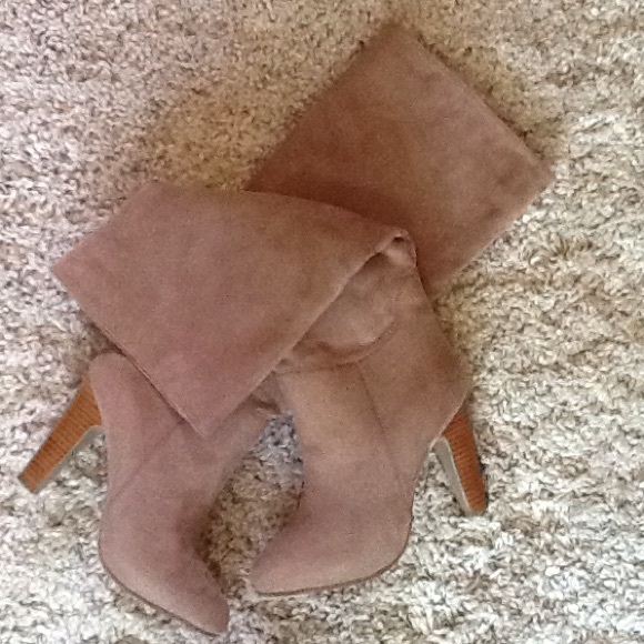 2a539bfdd15 Never worn Dollhouse Embrace Boot size 7.5