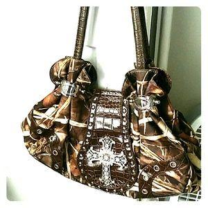 Accessories - Camo cross purse