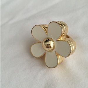 Marc Jacobs daisy ring