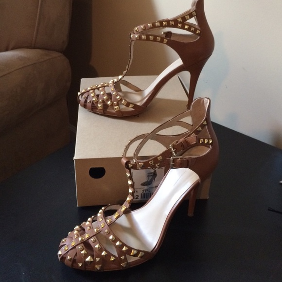 b5b798793ff ⚡️Zara Tan leather studded heels! M 553d2b2af092822e5600bf5d