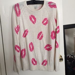 Forever 21 lips sweater.
