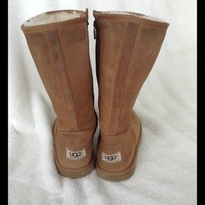 UGGS in chestnut