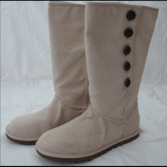 63c5aa1311e NWOT Uggs authentic summer ugg no fur NWT