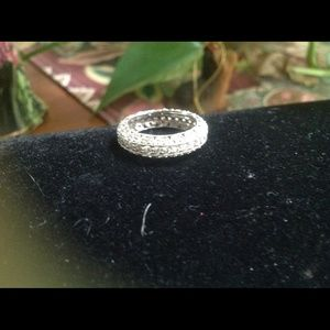 victoria weick Jewelry - Victoria weick antique style eternity band ring wi