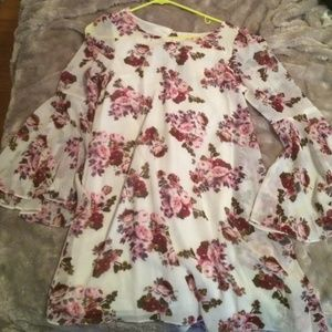 Forever 21 Dresses & Skirts - Floral Dress with bell sleeves