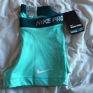 8b2b9eb548 Nike Shorts -   26 on Ⓜ️Nike Pro Women s 3