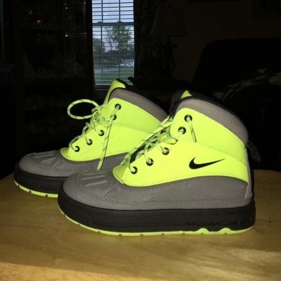 ab041722d89 NWOT Kids Nike Waterproof Boots. M 553d7a5ea88e7d7c1200e7a5