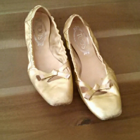 Tods Gold Leather Ballet Flats | Poshmark