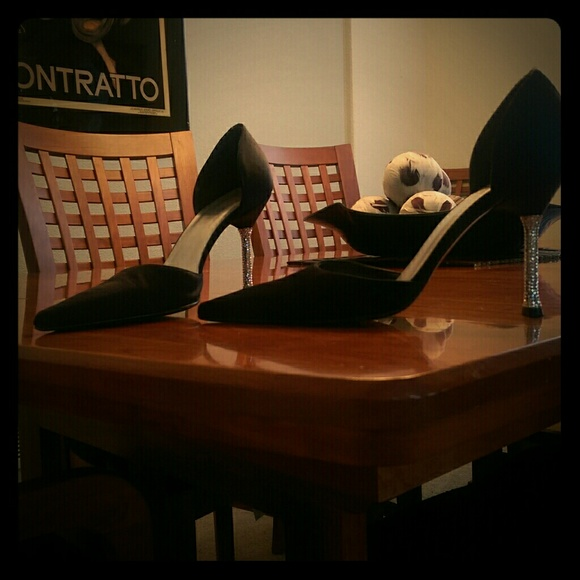 Do Stuart Weitzman Shoes Run Small