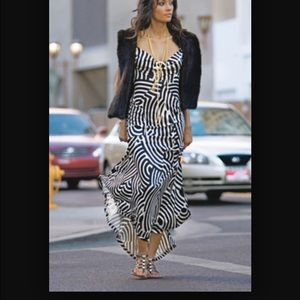 HOST PICKDVF Talon Black and White dress