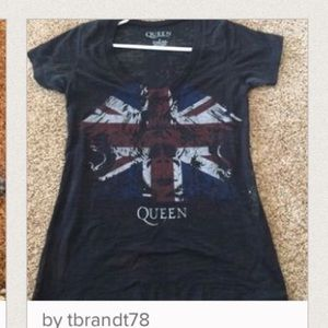 Accessories - RESERVED Queen shirt and athleta top