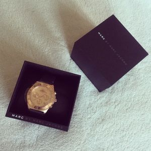 Marc Jacobs Jewelry - NEW Marc Jacobs rose gold watch