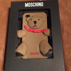 MOSCHINO Teddy Bear iPhone 4/4S case!