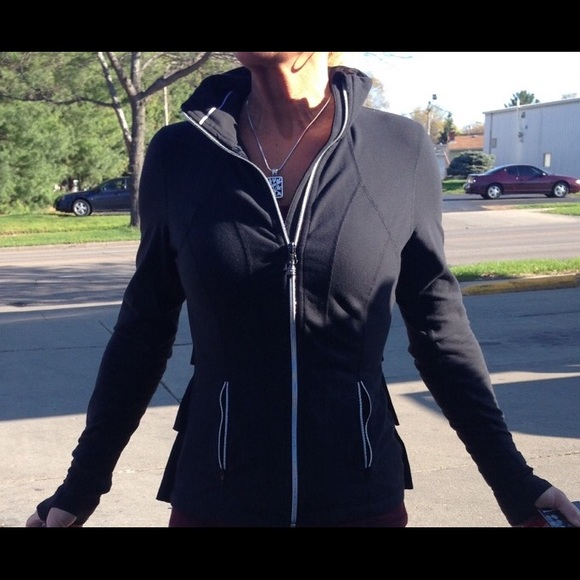f212d6538c Lululemon Rare Yogi Dance Ruffle Jacket Black Sz 8.  M_553fb811d3a2a75ce1002053
