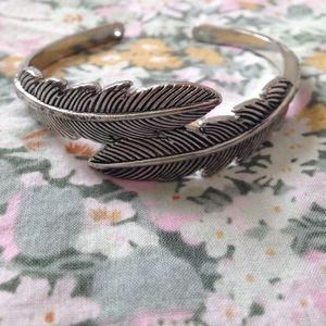Forever 21 Accessories - Silver feather bracelet