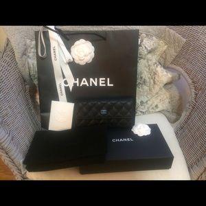 Sharing! NFS! New Chanel black caviar wallet!
