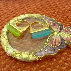 Ariella Jewelry - 2 fashion rings. Gldfilled with mint & teal resin