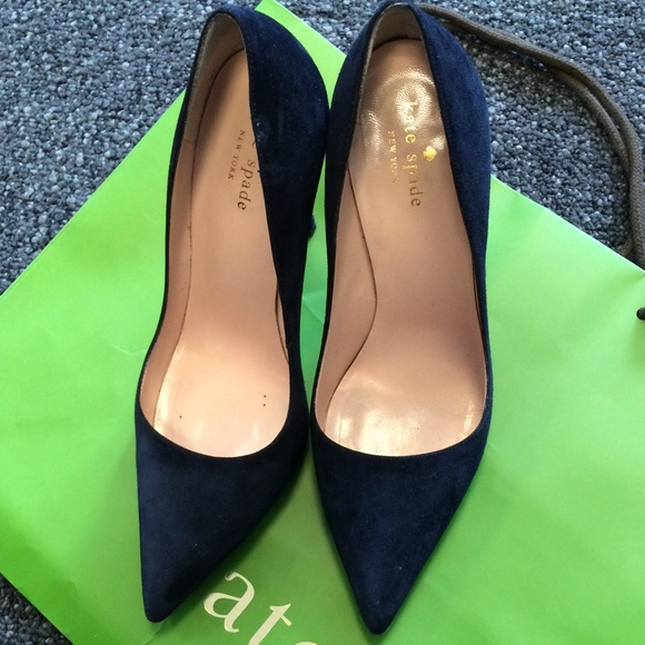88ce06ef7aab kate spade Shoes - HOST PICK Kate Spade Licorice heels in navy suede