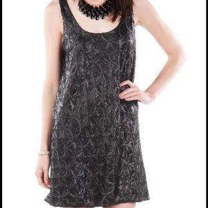 Dresses & Skirts - Quinn Sequin Dress