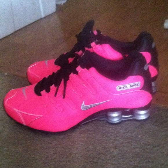 2464e6d21dea Neon pink nike shox nz shoes brand new
