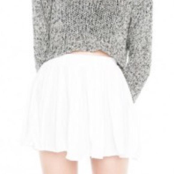 Brandy Melville - Brandy Melville white flowy skirt from Emily's ...