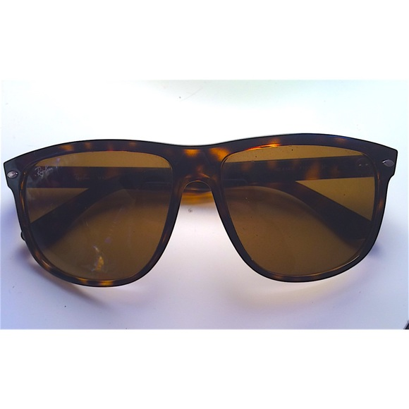 ??SOLD??RAYBAN Polarized Tortoise Shell Sunglasses