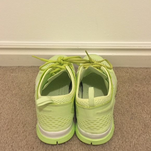 Nike Shoes - Nike Free TR Fit 4, sz 8.5