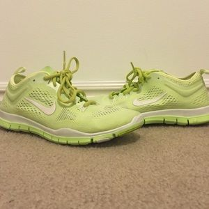 Nike Shoes - Nike Free TR Fit 4, sz 8.5