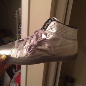 Other - Silver tennis shoe