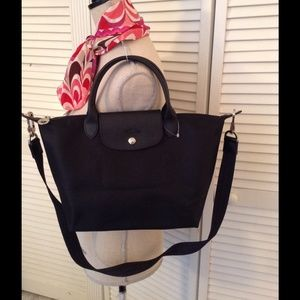 Brand new Longchamp Neo in Black with strap