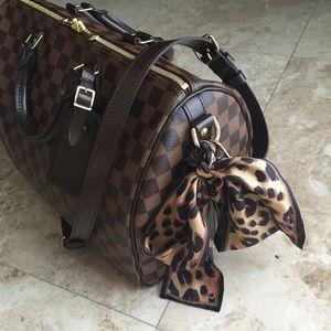Louis Vuitton Accessories - Louis Vuitton Leopard Bandeau Scarf Silk d6376f80f9